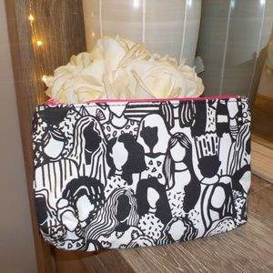 🛍IPSY MAKEUP BAG 💫 black and white with people